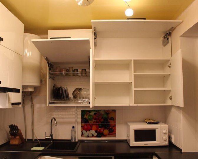 Подвесные шкафчики на кухню
