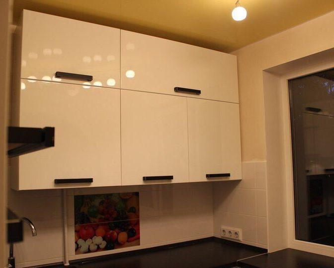 Глянцевые фасады для кухни на заказ