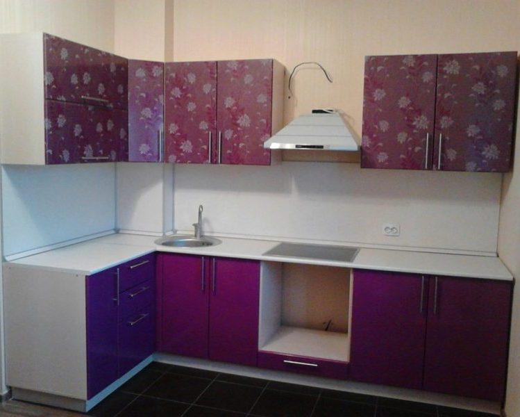 Фиолетовый кухонный гарнитур
