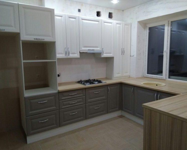 Классический п-образный кухонный гарнитур