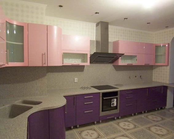 Кухня волнистой формы под заказ