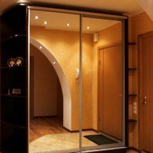 зеркальный шкаф под заказ в Казани