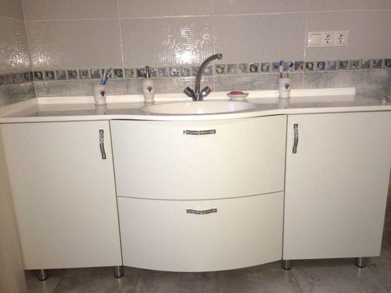 мебель для ванной на заказ в Казани