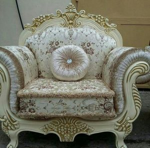 купить стильное кресло в гостиную