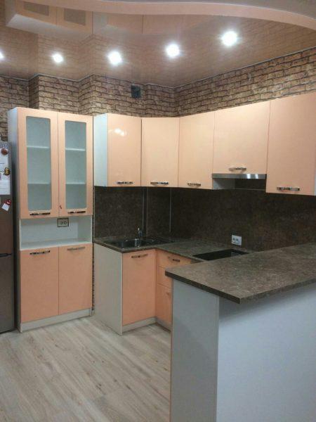 розовая кухня на заказ в Казани